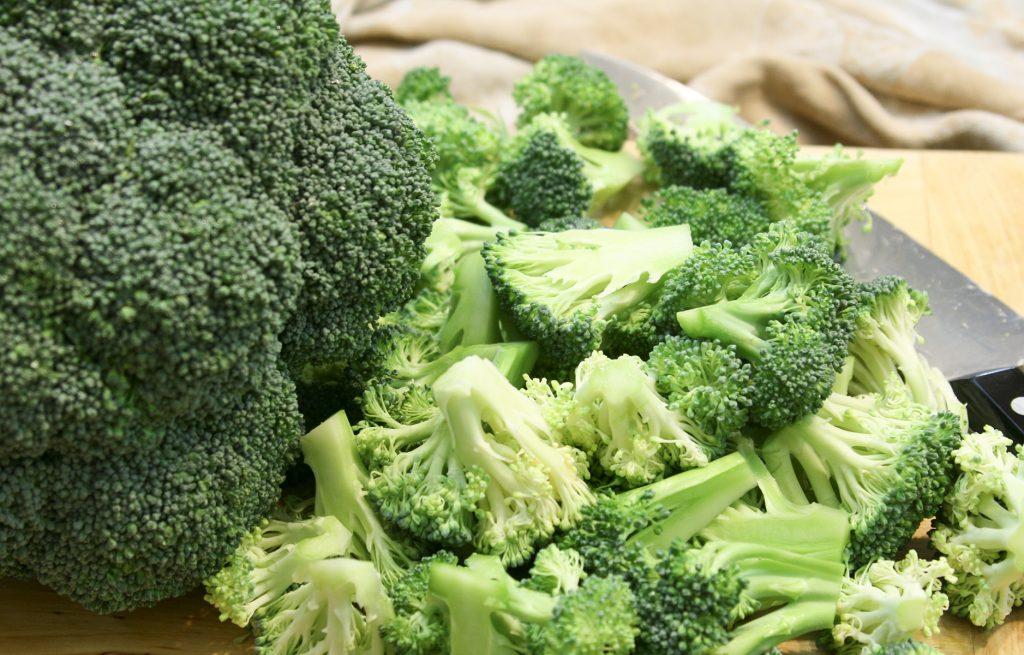 chop the broccoli